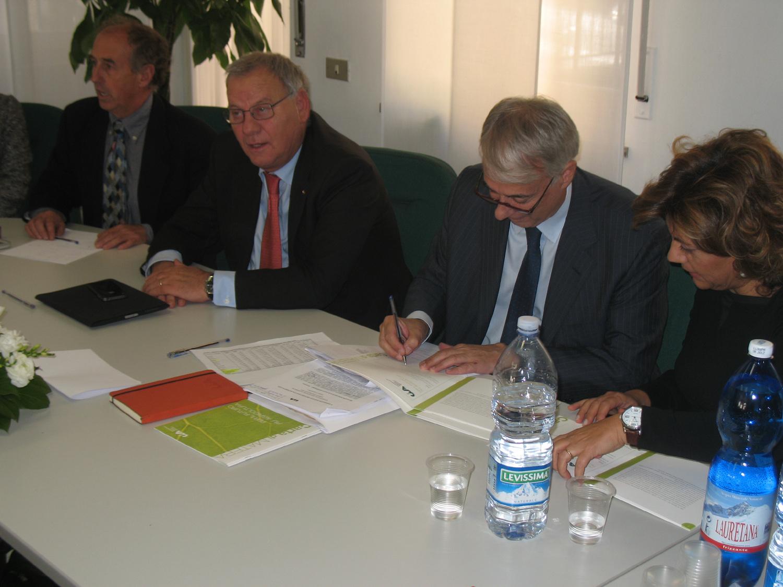 Il sindaco Pisapia ha firmato la Carta di Matera per un ...